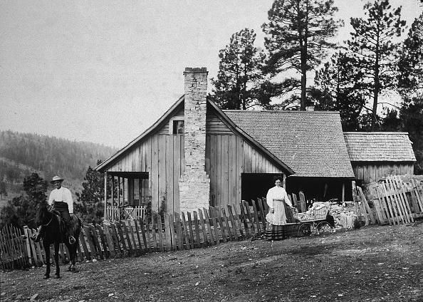 Farm「Old West Homestead Portrait」:写真・画像(19)[壁紙.com]