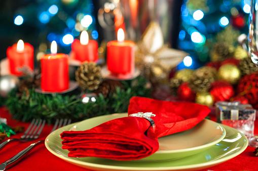 Christmas Lights「Elegant Christmas table setting」:スマホ壁紙(9)