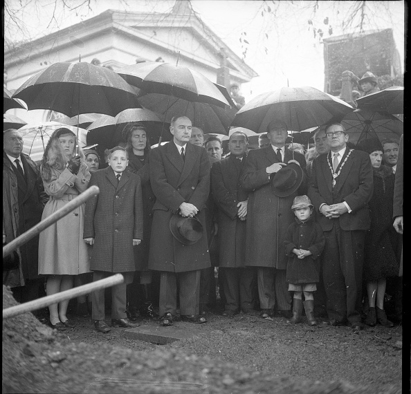 T 「W.T. Cosgrave Funeral」:写真・画像(9)[壁紙.com]