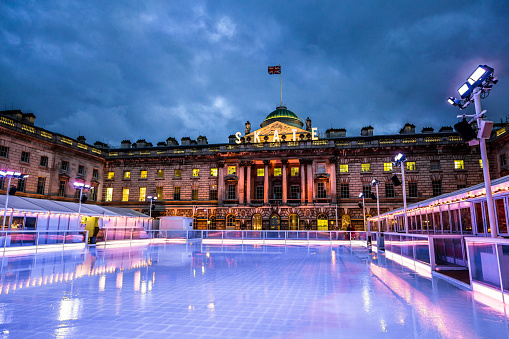 Ice-skating「Empty ice skating rink, Somerset House, The Strand, London, UK」:スマホ壁紙(7)