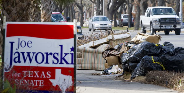 Hurricane Ike「Americans Go To The Polls To Elect The Next U.S. President」:写真・画像(6)[壁紙.com]