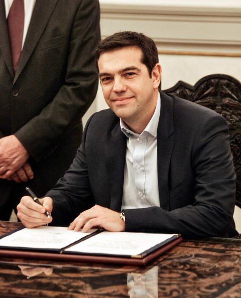 E「Alexis Tsipras Sworn In As Prime Minister Of Greece」:写真・画像(4)[壁紙.com]