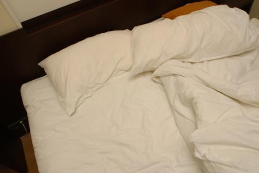 Duvet「Messy bed」:スマホ壁紙(4)