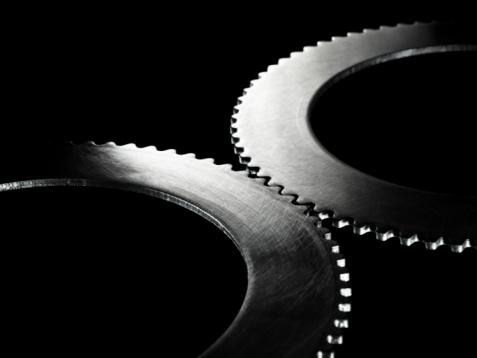 Coordination「Two linked steel gear / cogs on black background」:スマホ壁紙(17)