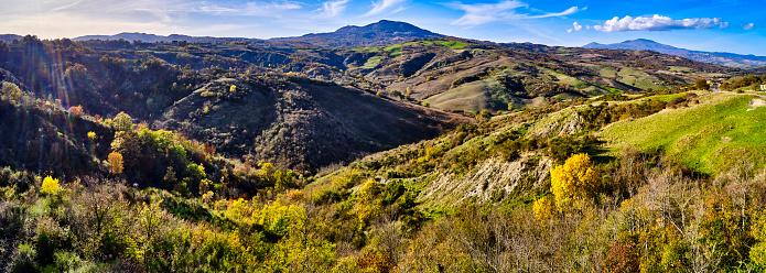 Monte Amiata「Monte Amiata in autumn, Tuscany, Italy」:スマホ壁紙(2)