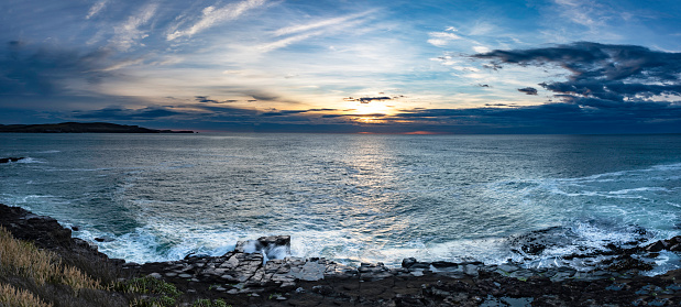 Rocky Coastline「Curio Bay Cliffs at dawn, Catlins, New Zealand」:スマホ壁紙(9)