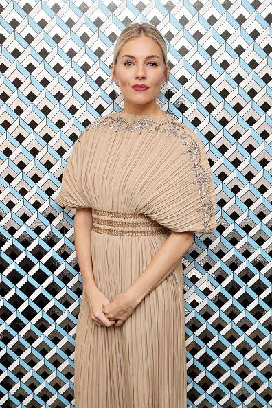 "Pink Lipstick「22nd SCAD Savannah Film Festival - Sienna Miller Outstanding Achievement In Cinema Award Presentation And ""American Woman"" Q&A」:写真・画像(3)[壁紙.com]"