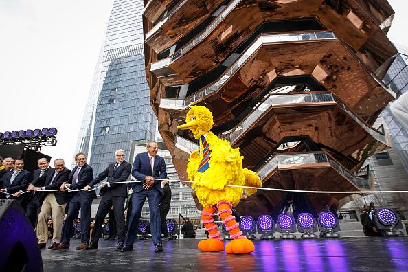 Drew Angerer「New Hudson Yards Neighborhood Officially Opens In Manhattan」:写真・画像(0)[壁紙.com]
