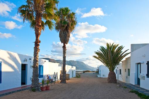 La Graciosa - Canary Islands「Caleta del Sebo village」:スマホ壁紙(2)