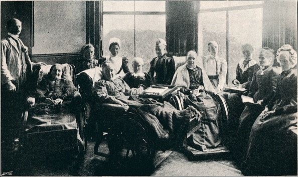 Edwardian Style「'At Home, A Favourite Window Recess In The Women's Corridor', 1901」:写真・画像(0)[壁紙.com]