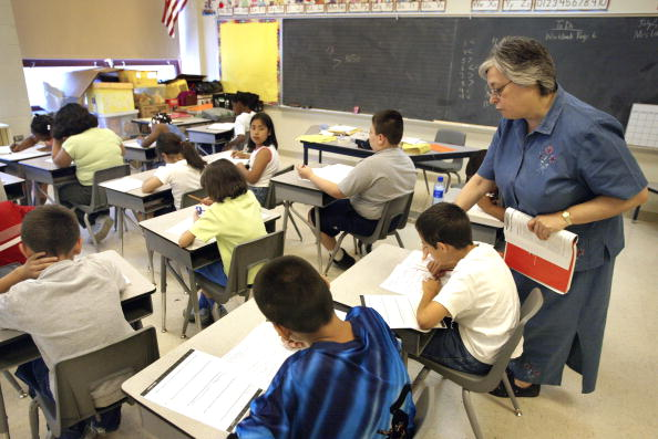 School Building「Students Start Summer School In Chicago」:写真・画像(2)[壁紙.com]