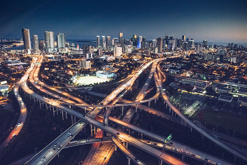 Railroad Track「Miami downtown aerial view in the night」:スマホ壁紙(5)