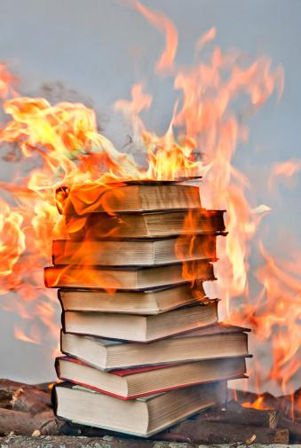 Inferno「stack of hardcover burning books」:スマホ壁紙(0)