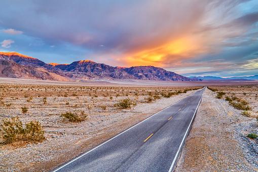 Dry「Death Valley National Park,California,usa」:スマホ壁紙(9)