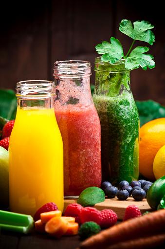 Kiwi「Three fruits and vegetables detox drinks」:スマホ壁紙(14)