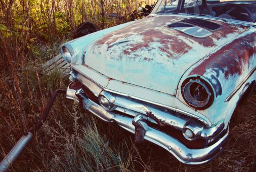 Hot Rod Car「Vinatage Ford Sedan Rusting if Farmer's Field」:スマホ壁紙(15)
