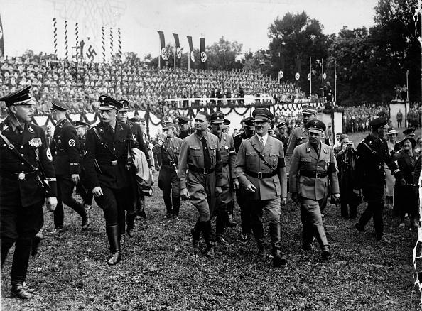 Politics「Hitler At Weimar」:写真・画像(3)[壁紙.com]