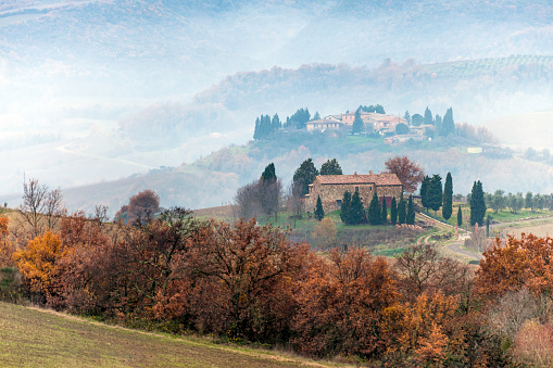 Val d'Orcia「Scenic Tuscany landscape at sunrise, Val d'Orcia, Italy,Europe」:スマホ壁紙(1)