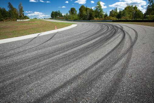 Motorsport「Corner on a car race track」:スマホ壁紙(5)