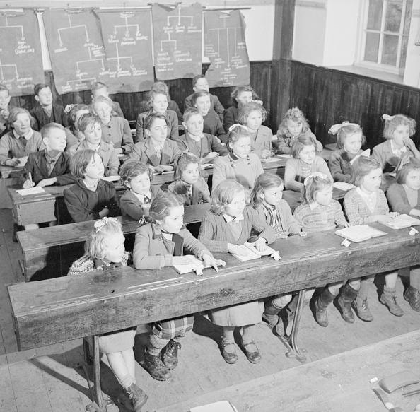 In A Row「School Room」:写真・画像(1)[壁紙.com]