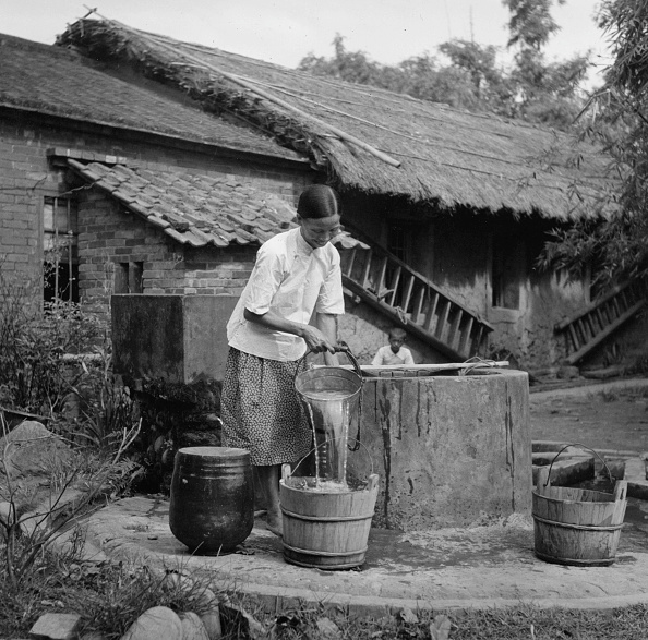 Pouring「Well Water」:写真・画像(9)[壁紙.com]