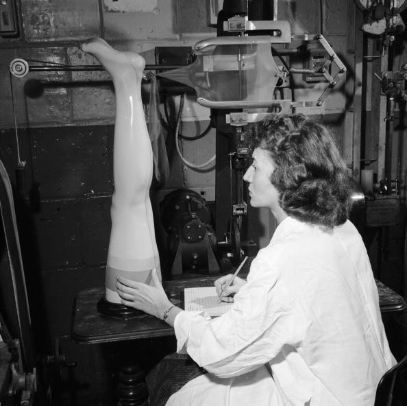 Stockings「Testing Nylons」:写真・画像(11)[壁紙.com]