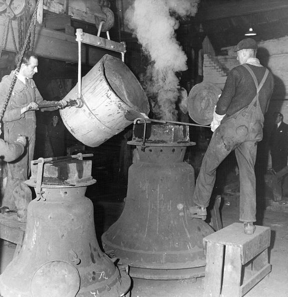 Pouring「Bell Making」:写真・画像(9)[壁紙.com]