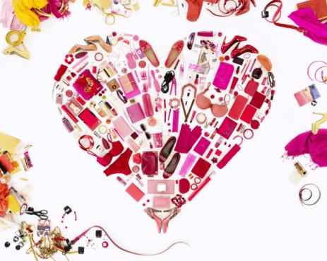 Individuality「Women's belongings in shape of heart」:スマホ壁紙(6)