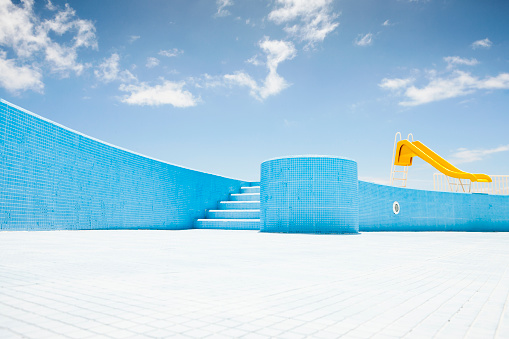 Art and Craft Product「Abandoned pool with yellow slide」:スマホ壁紙(6)