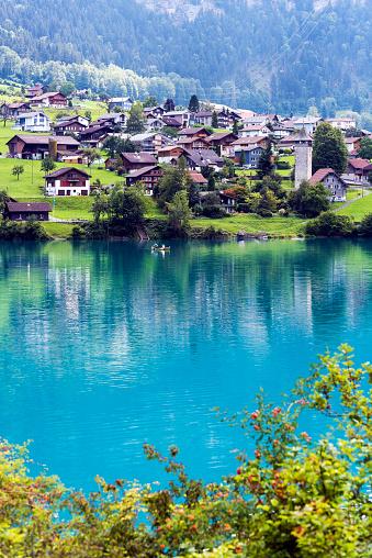 Escarpment「Valley of Lake Lungern or Lungerersee in Obwalden, Switzerland」:スマホ壁紙(0)