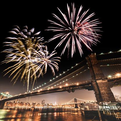 花火「花火は、国民の祝日を、ブルックリン橋」:スマホ壁紙(4)