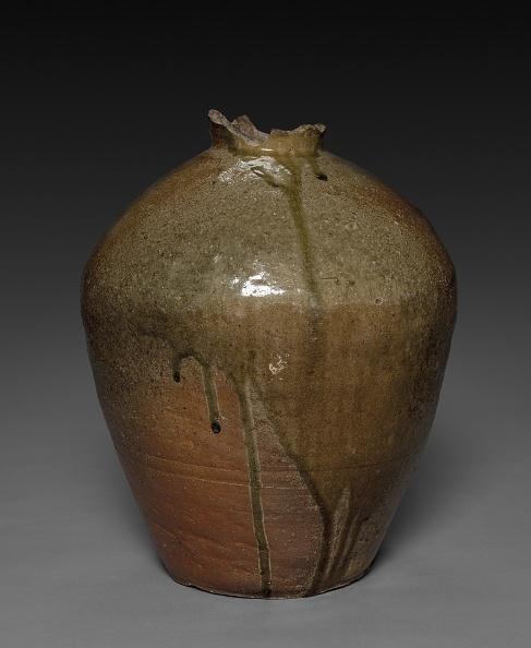 Tokai Region「Storage Jar」:写真・画像(4)[壁紙.com]
