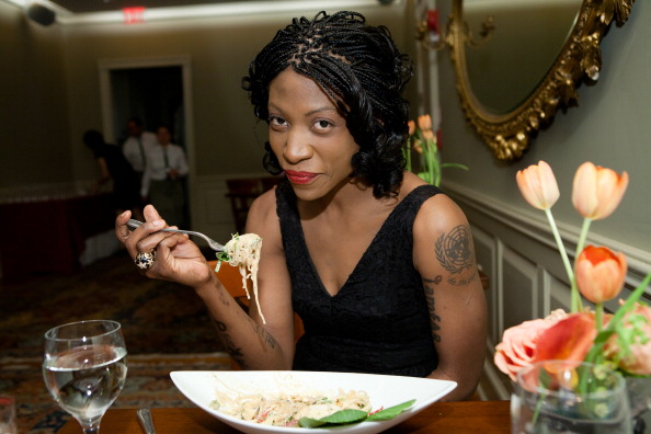 """Salad「Vegan Celebrity Activist Suzanne """"Africa"""" Engo Encourages Americans To Healthy Vegan Eating In The National Fight Against Obesity At Elizabeth's Gone Raw」:写真・画像(15)[壁紙.com]"""