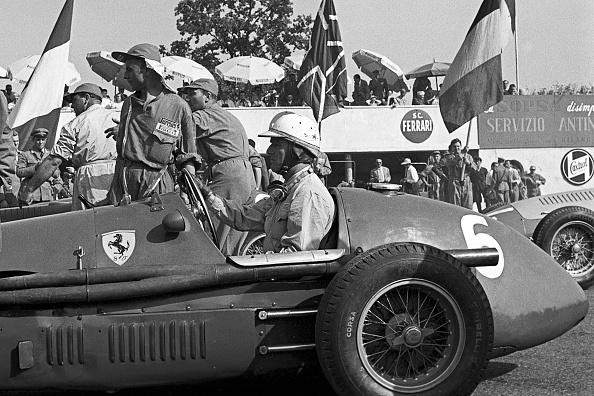 Giuseppe Farina「Nino Farina, Grand Prix Of Italy」:写真・画像(15)[壁紙.com]