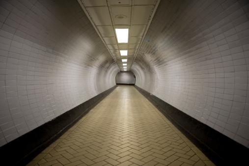Footpath「Tunnel Vision」:スマホ壁紙(11)
