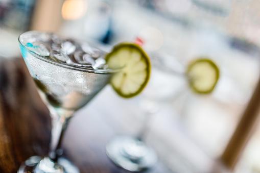 Martini「Two classic martinis」:スマホ壁紙(8)
