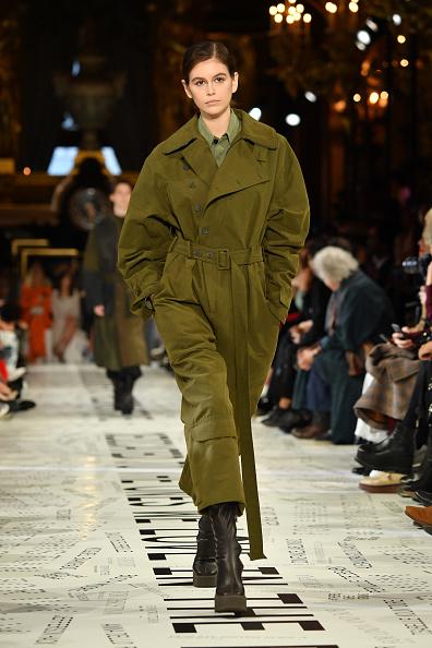 Catwalk - Stage「Stella McCartney : Runway - Paris Fashion Week Womenswear Fall/Winter 2019/2020」:写真・画像(13)[壁紙.com]