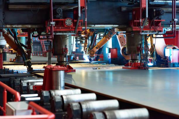 Large-scale production at tube rolling plant:スマホ壁紙(壁紙.com)