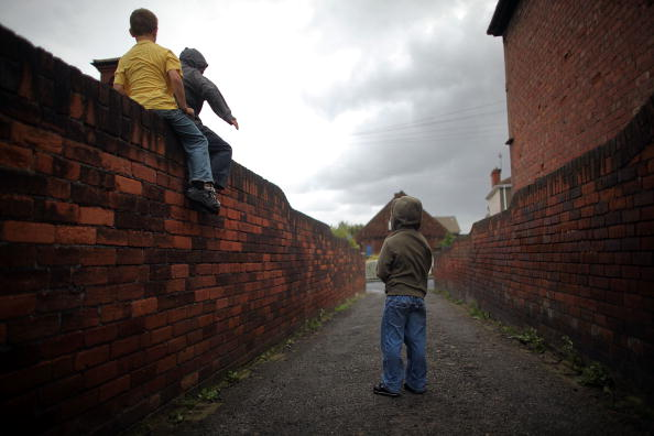 Boys「Streets Of Edlington After The Conviction Of Two Young Brothers」:写真・画像(2)[壁紙.com]