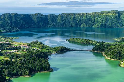 Volcano「Sete Cidades lake in The Azores」:スマホ壁紙(12)