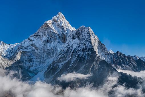 Ama Dablam「Panorama of beautiful  Mount Ama Dablam in  Himalayas, Nepal」:スマホ壁紙(17)