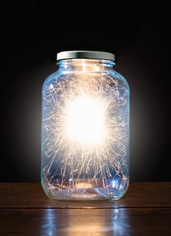 花火「Energy trapped in jar」:スマホ壁紙(17)