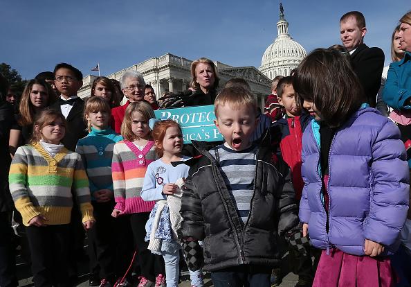 Debt「House Republicans Hold News Conference On National Debt」:写真・画像(16)[壁紙.com]