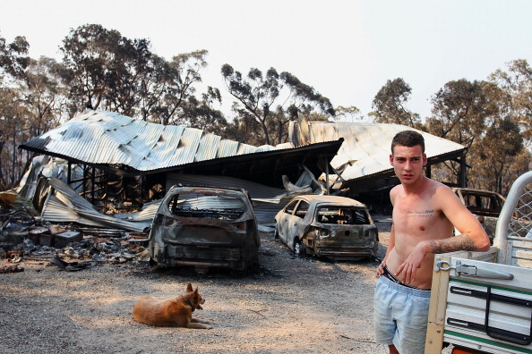 Lisa Maree Williams「Residents Returned To Destroyed Homes As Bushfire Conditions Worsen In NSW」:写真・画像(14)[壁紙.com]