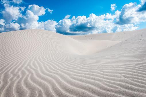Tyrrhenian Sea「Dunes, Porto Pino, Italy, Sardinia」:スマホ壁紙(4)