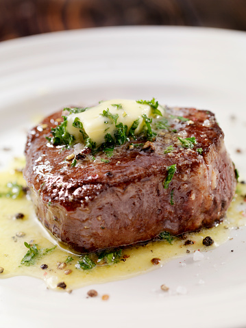 Filet Mignon「Medium Rare Fillet Mignon Steak with Herb Garlic Butter」:スマホ壁紙(2)