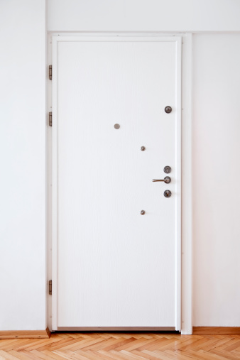 Door「White Door」:スマホ壁紙(1)