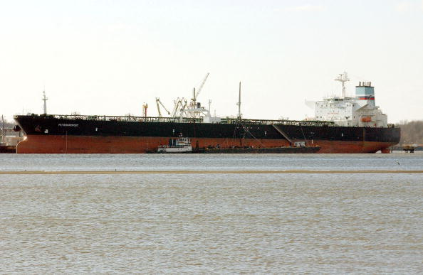 Republic Of Cyprus「Oil Spill Clean Up Continues Along Delaware River」:写真・画像(0)[壁紙.com]