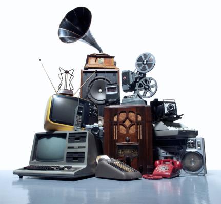 Heap「Pile of old technology」:スマホ壁紙(14)