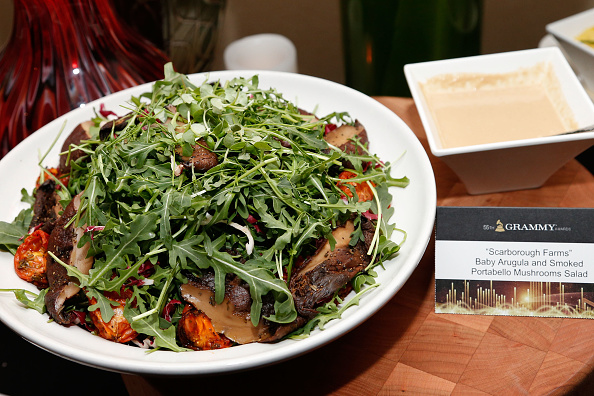 Salad「The 55th Annual GRAMMY Awards - Behind The Scenes Kitchen Tour And Suite Menu Tasting」:写真・画像(12)[壁紙.com]